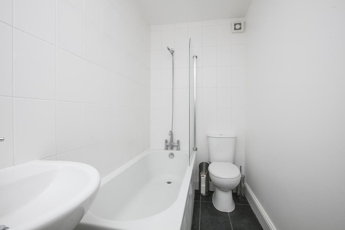 Flat/Apartment For Sale in St. Giles Road, SE5 227 view11