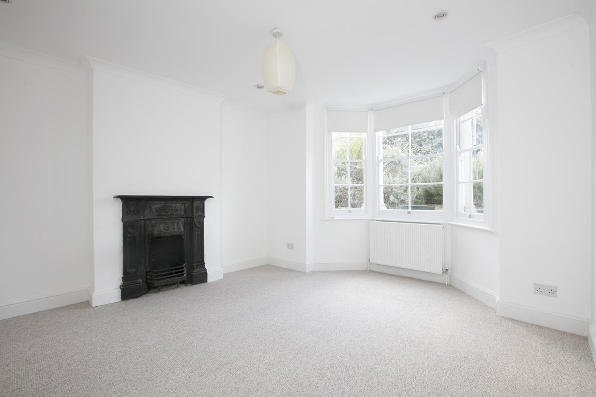Flat/Apartment For Sale in St. Giles Road, SE5 227 view1