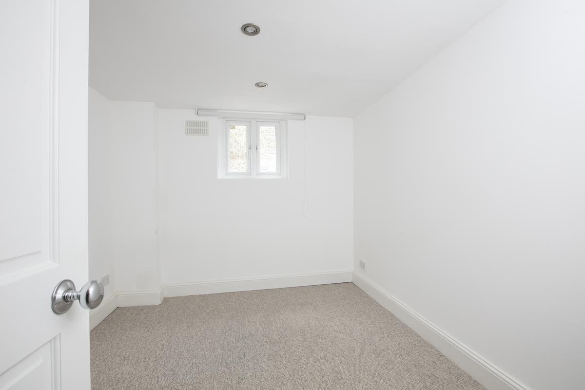 Flat/Apartment For Sale in St. Giles Road, SE5 227 view10