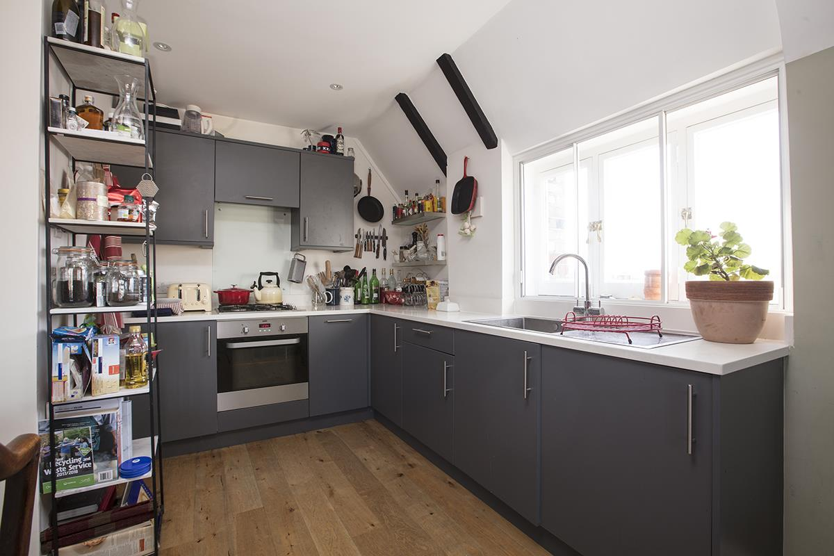 Flat - Conversion For Sale in St Giles Tower, Gables Close, SE5 261 view3