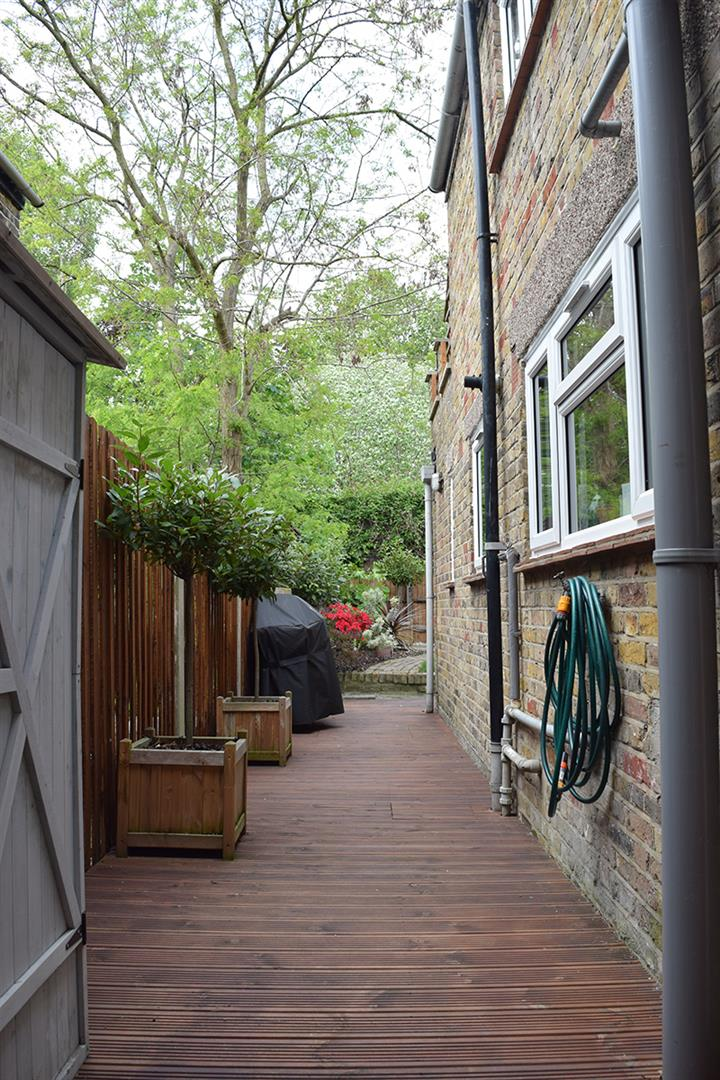 House - Terraced Sold in Sturdy Road, SE15 324 view12