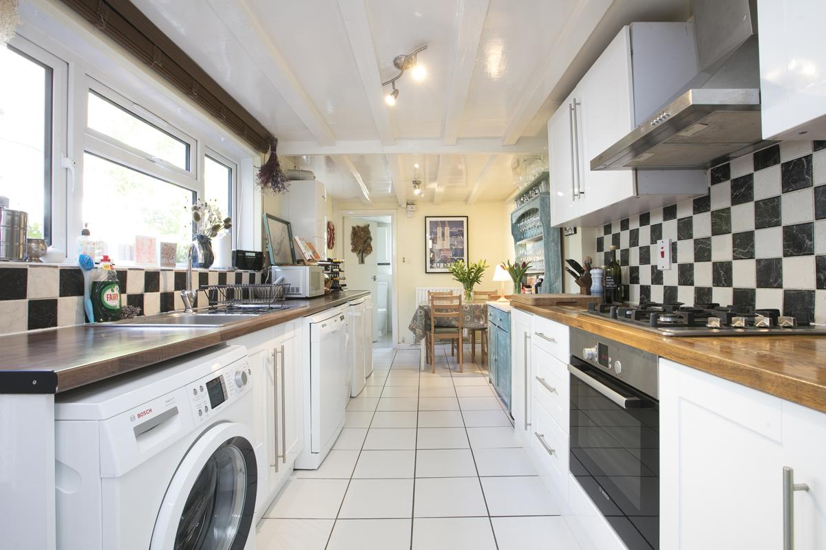 House - Terraced Sold in Sturdy Road, SE15 324 view4