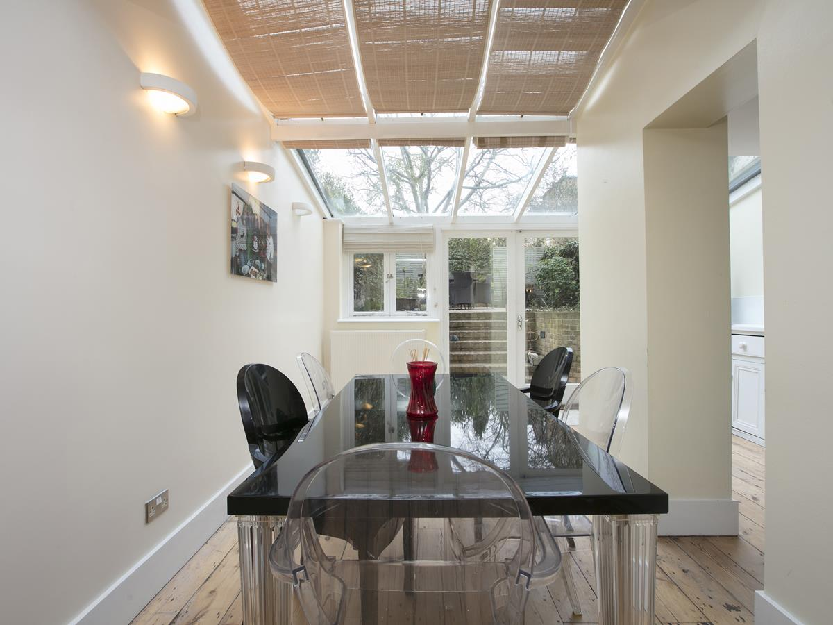 Flat - Conversion Sold in Thorne Road, SW8 279 view10