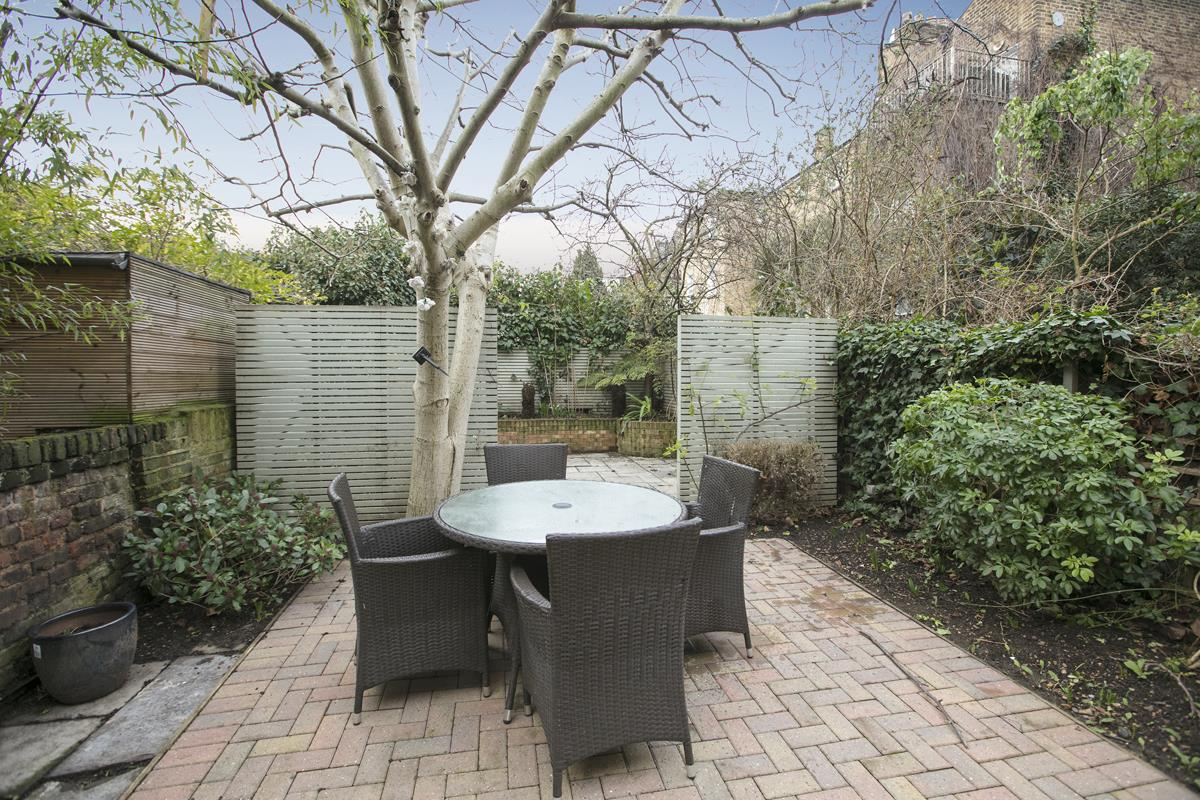 Flat - Conversion Sold in Thorne Road, SW8 279 view9