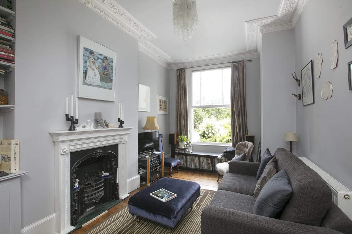Flat/Apartment Sale Agreed in Thorne Road, SW8 300 view6