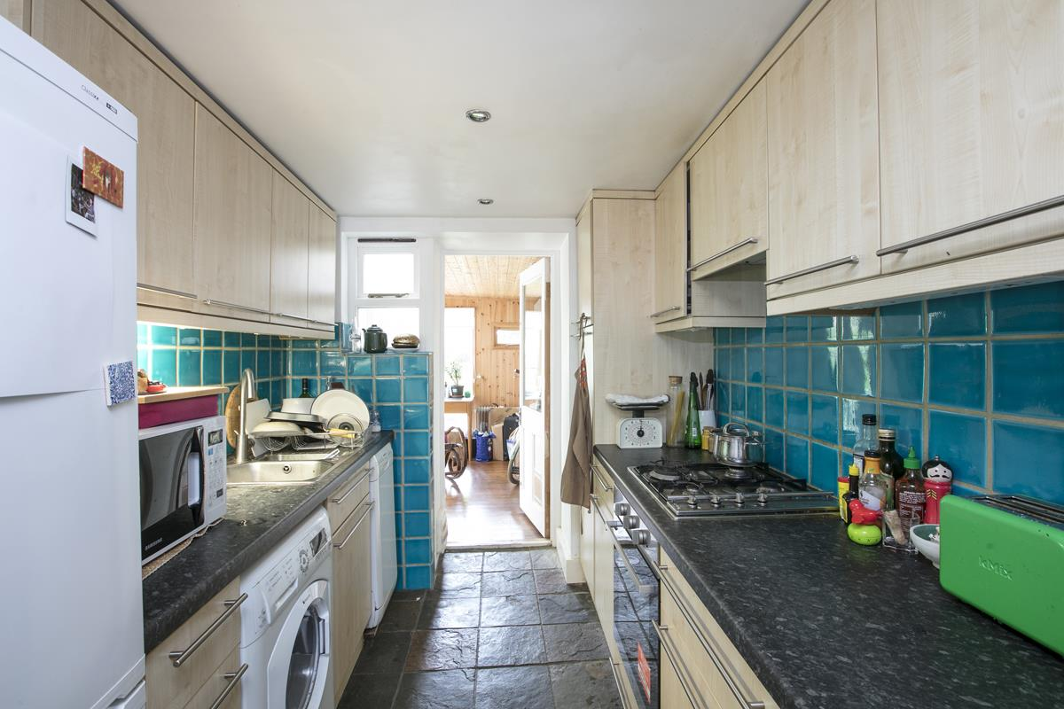 Flat - Conversion For Sale in Vicarage Grove, SE5 339 view5