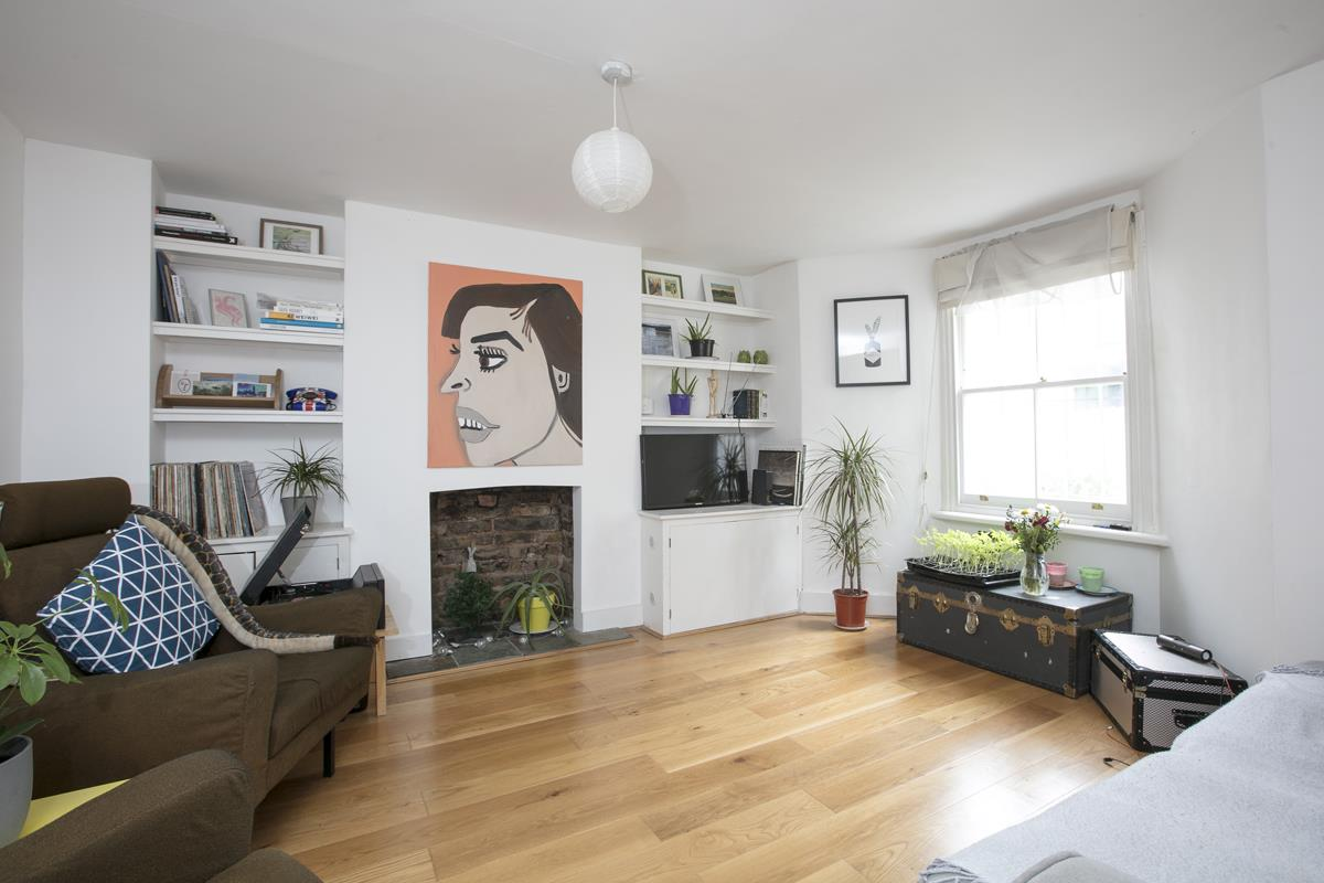 Flat - Conversion For Sale in Vicarage Grove, SE5 339 view1