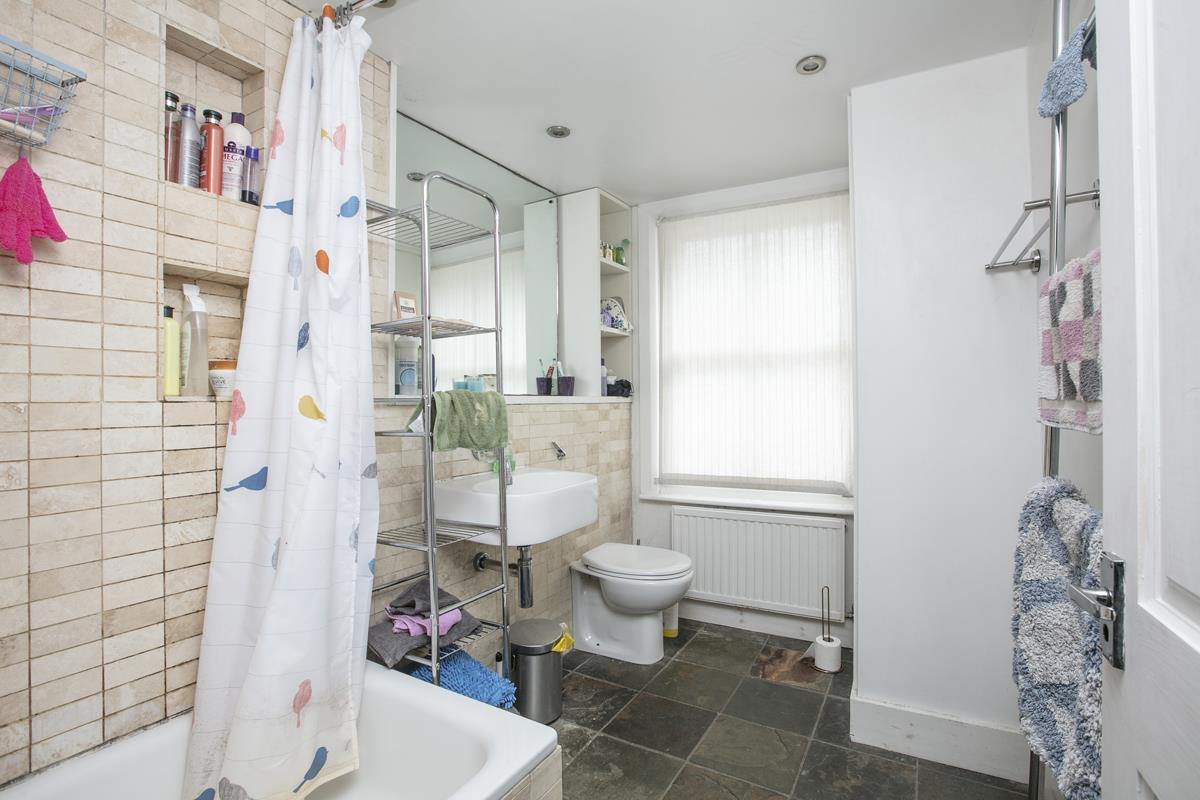 Flat - Conversion For Sale in Vicarage Grove, SE5 339 view10