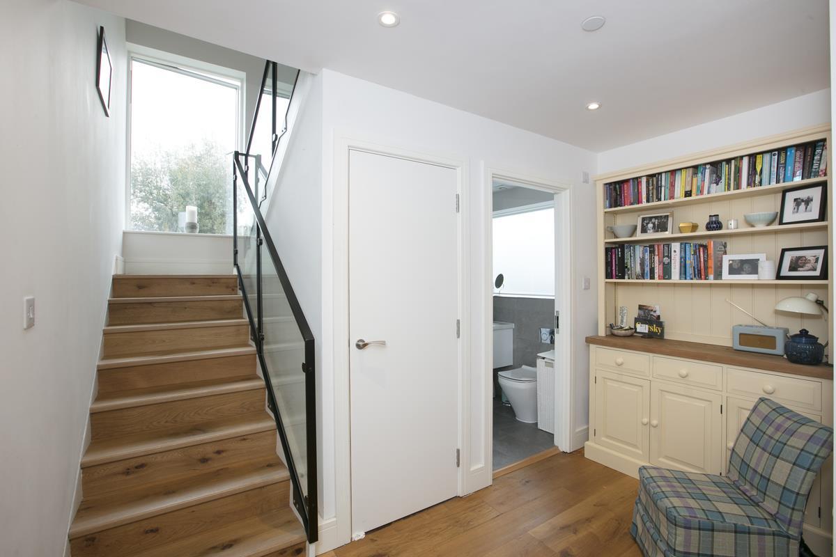 Flat - Purpose Built Sold in Windsor Walk, SE5 304 view7
