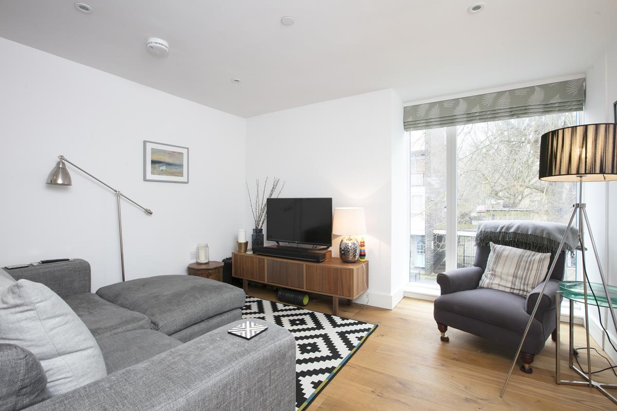 Flat - Purpose Built Sold in Windsor Walk, SE5 304 view9