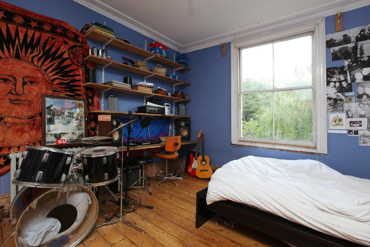 House - Semi-Detached Sold in Wood Vale, London SE23 53 view22