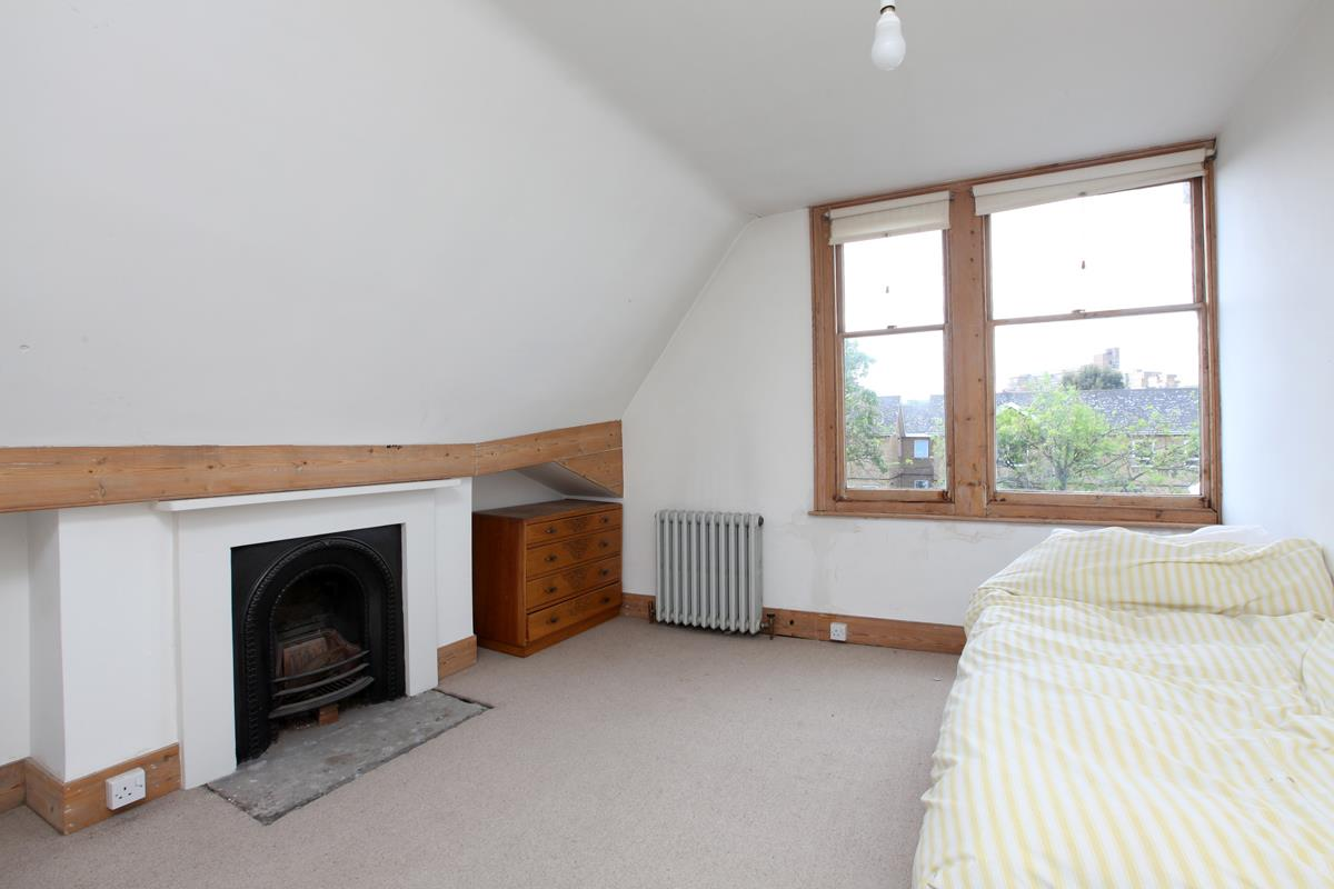 House - Semi-Detached Sold in Wood Vale, London SE23 53 view10