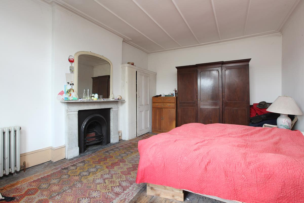 House - Semi-Detached Sold in Wood Vale, London SE23 53 view11