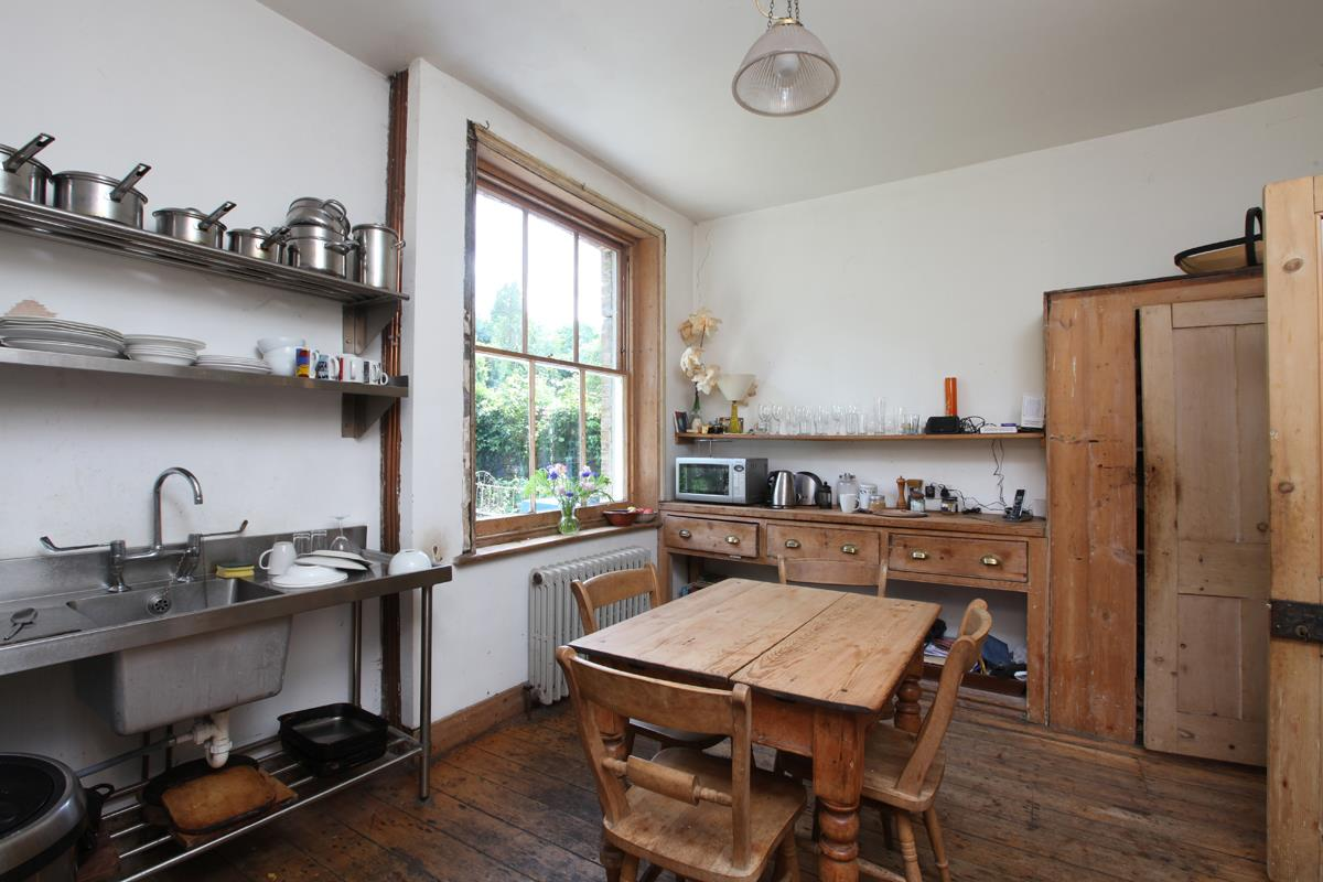 House - Semi-Detached Sold in Wood Vale, London SE23 53 view8