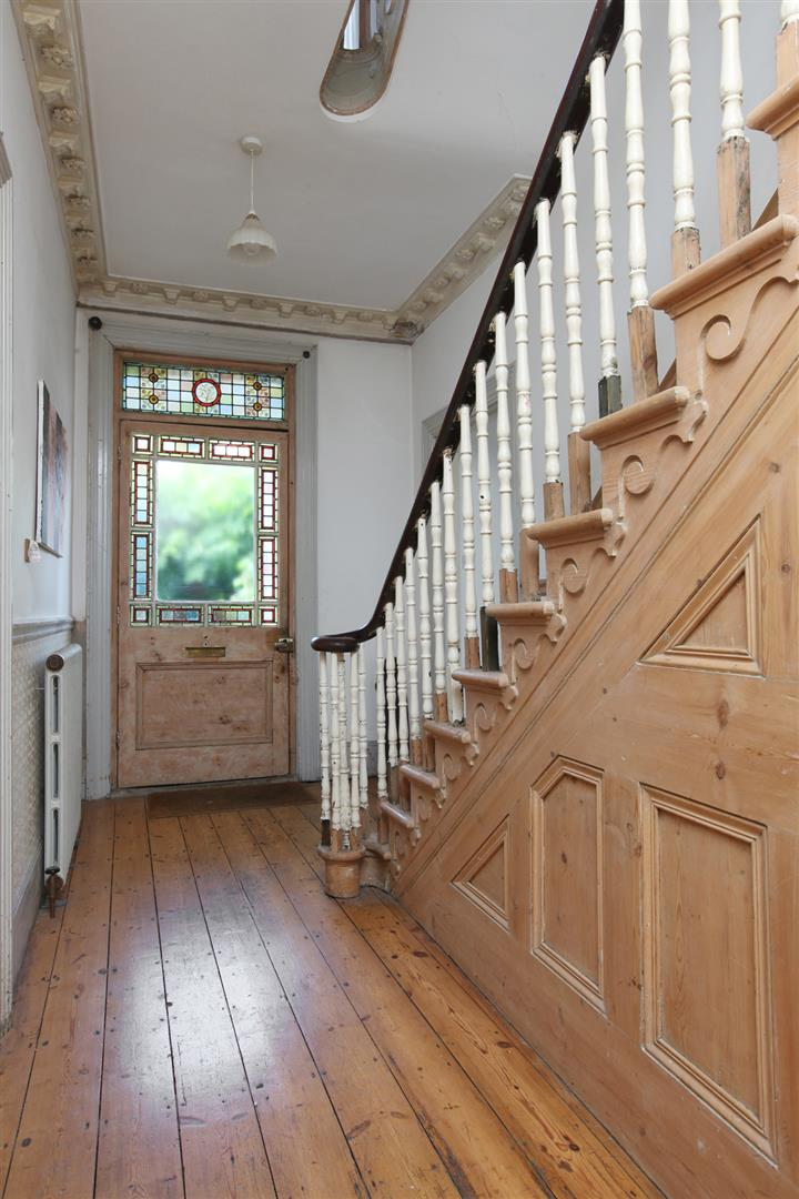 House - Semi-Detached Sold in Wood Vale, London SE23 53 view3