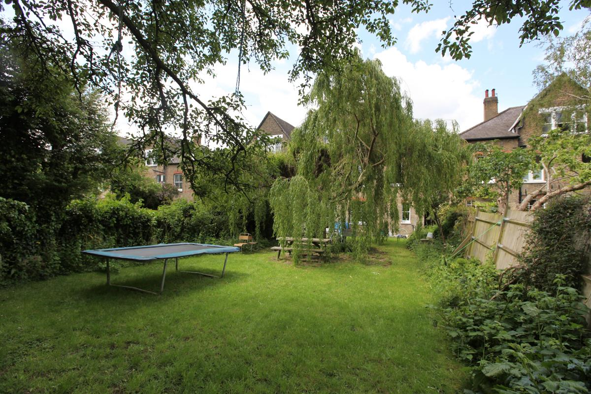 House - Semi-Detached Sold in Wood Vale, London SE23 53 view7