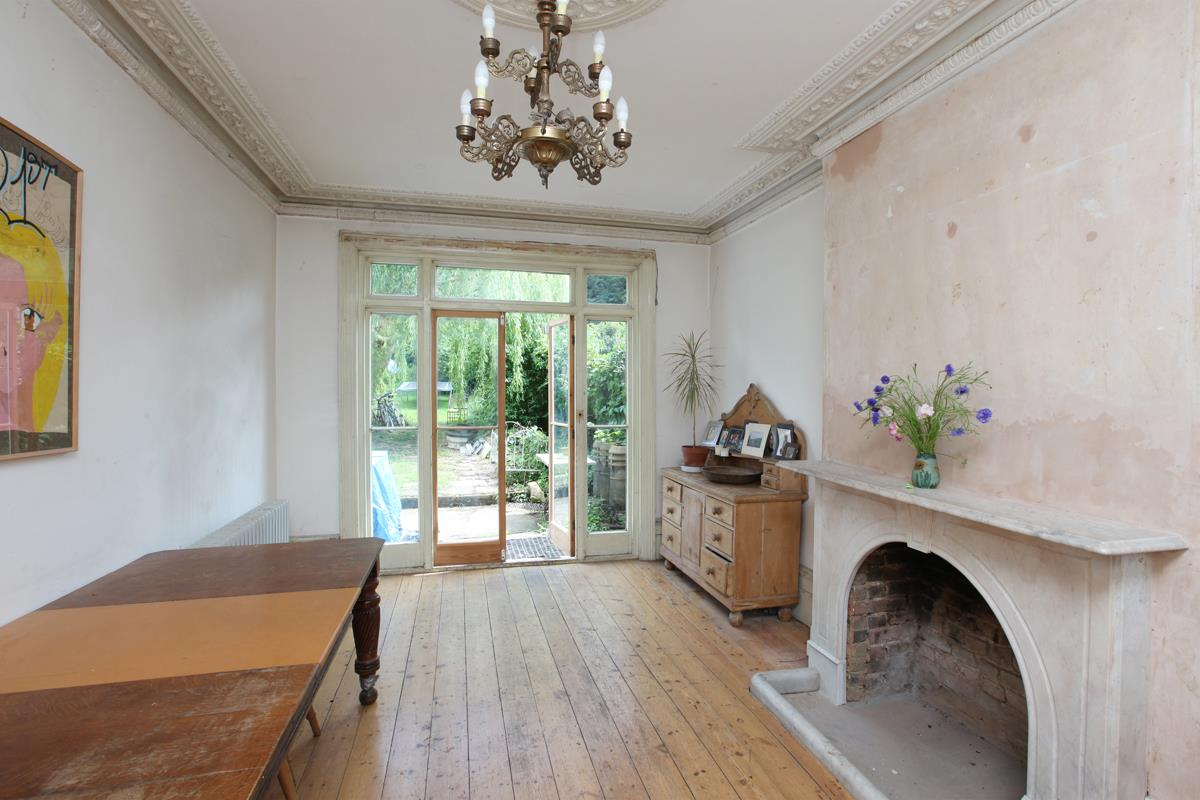 House - Semi-Detached Sold in Wood Vale, London SE23 53 view4